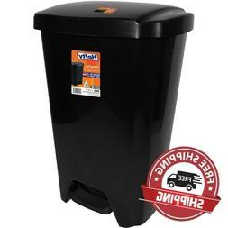 13.5-gallon Hefty Swing Lid Trash Can, Black Lid & Base hand
