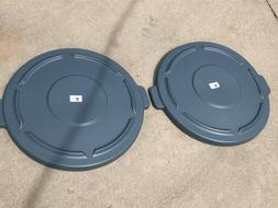 2 rubbermaid commercial brute trash can flat