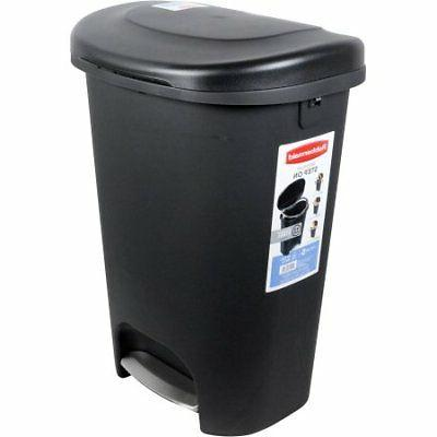 Rubbermaid Black Step-On Can