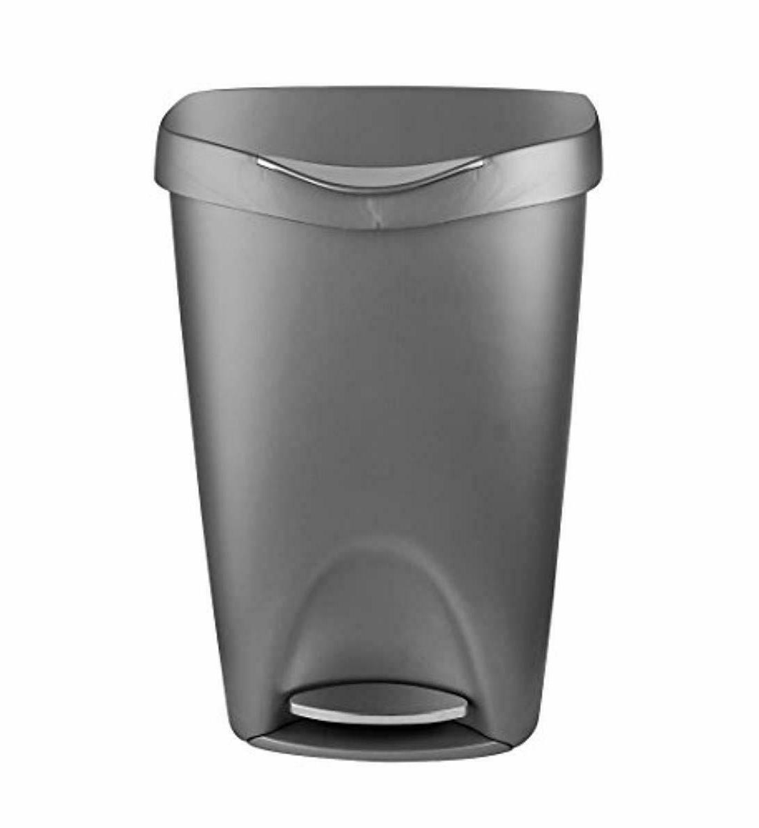Trash with Lid - Can