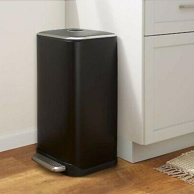 AmazonBasics Rectangle Soft-Close Trash Can 32L,