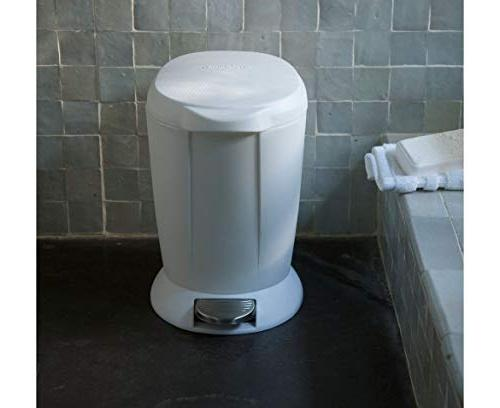 1.6 Round Step Trash Can, Plastic