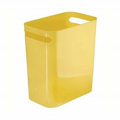 una wastebasket trash can 12