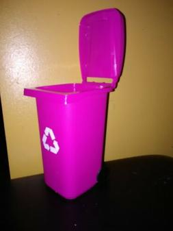 """"""" New """" Barbie Trash /Garbage/ Recycle Can With Lid on Wheel"""